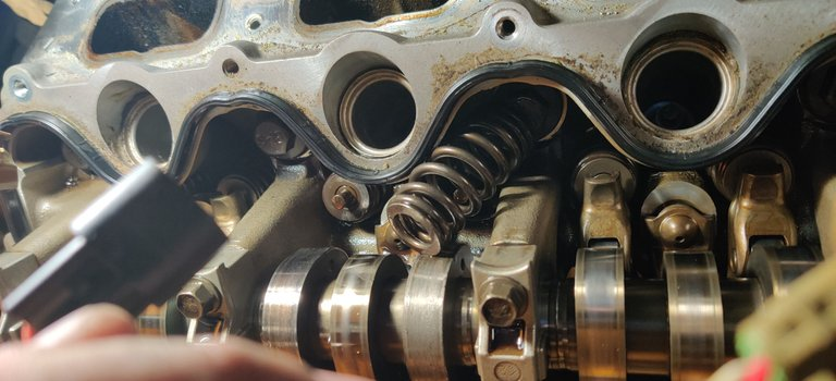 07 Rebuild Engine Cyl #3 (2).jpg