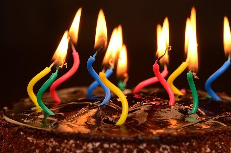 birthday1114056_1280.jpg