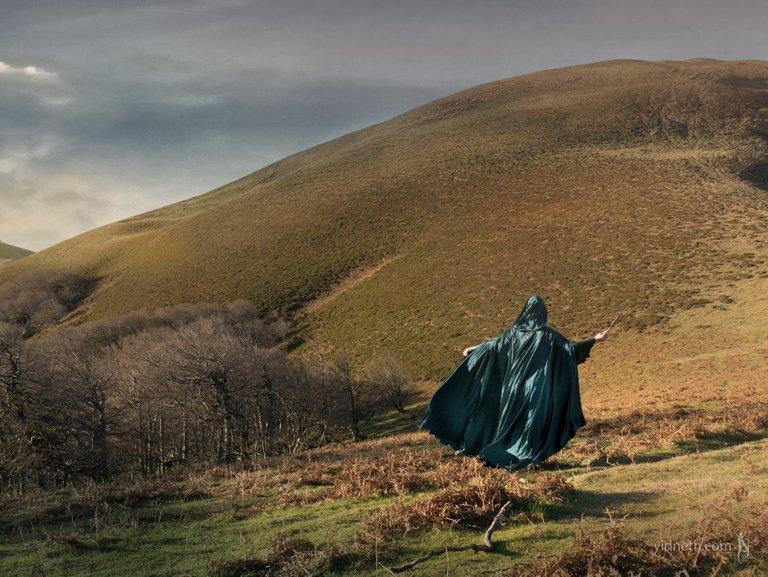 Green Cloak Priscilla Hernandez Yidneth  (4).jpe