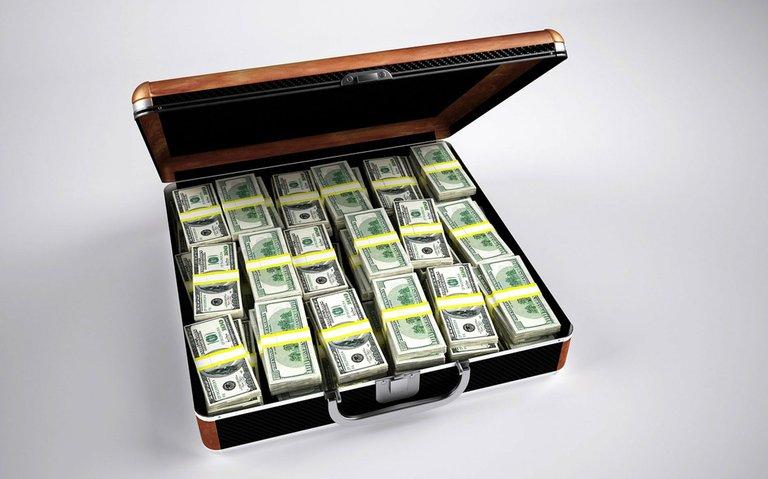money_briefcase.jpg