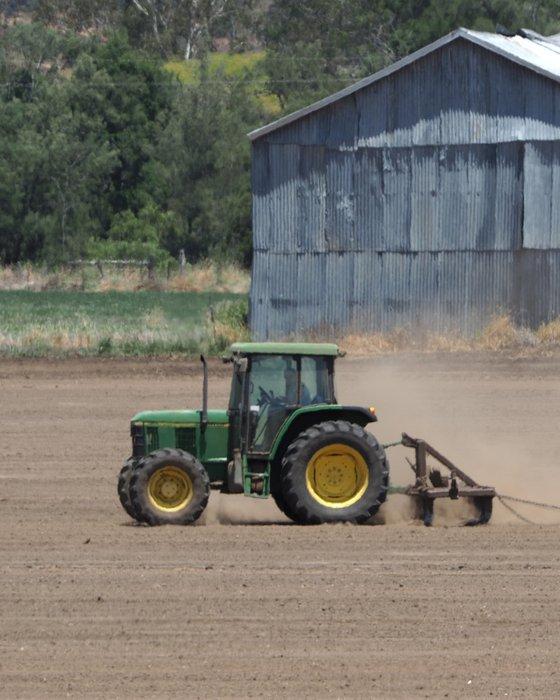 2-tractor-800px.JPG