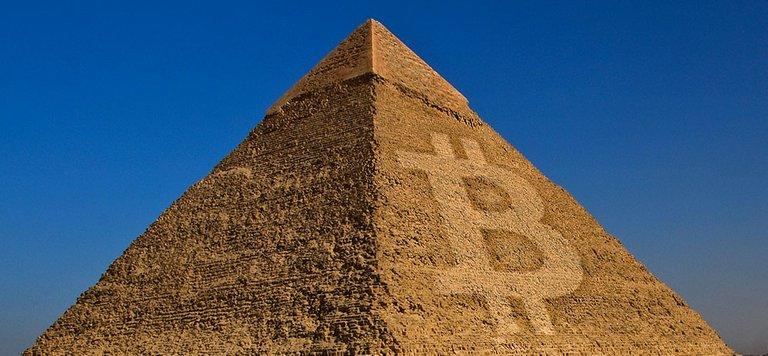 Bitcoin_pyramid.jpg