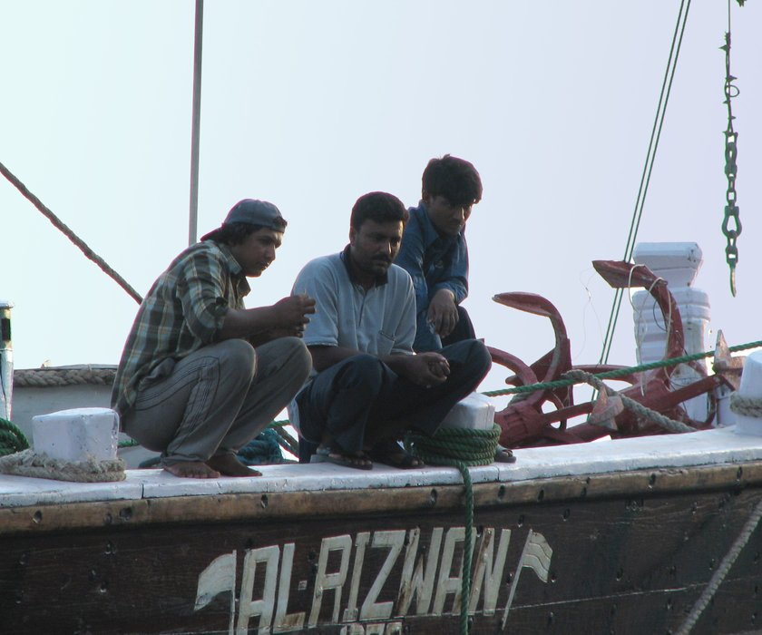 dubai08-workers.jpg