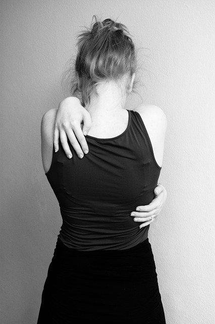 hug-2381652_640.jpg