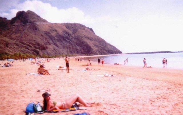 Santa Cruz Playa Las Teresitas.jpg