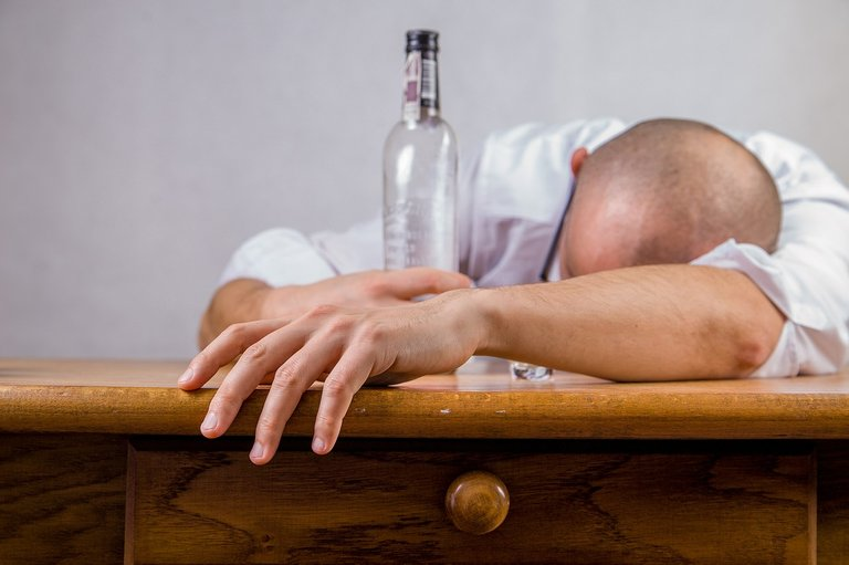 alcohol_428392_1280.jpg