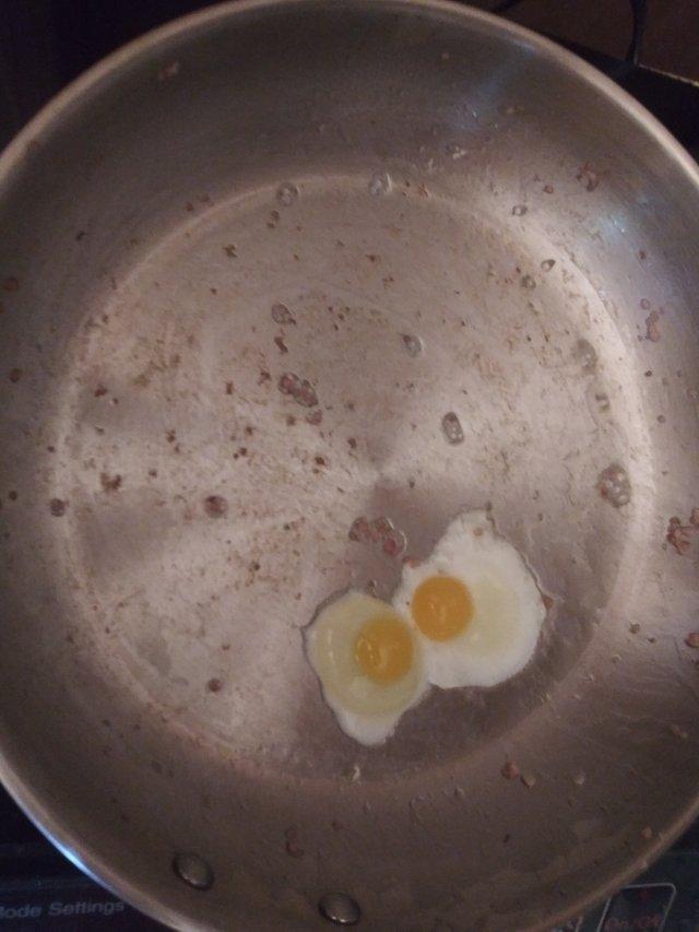 fried quail eggs.jpg