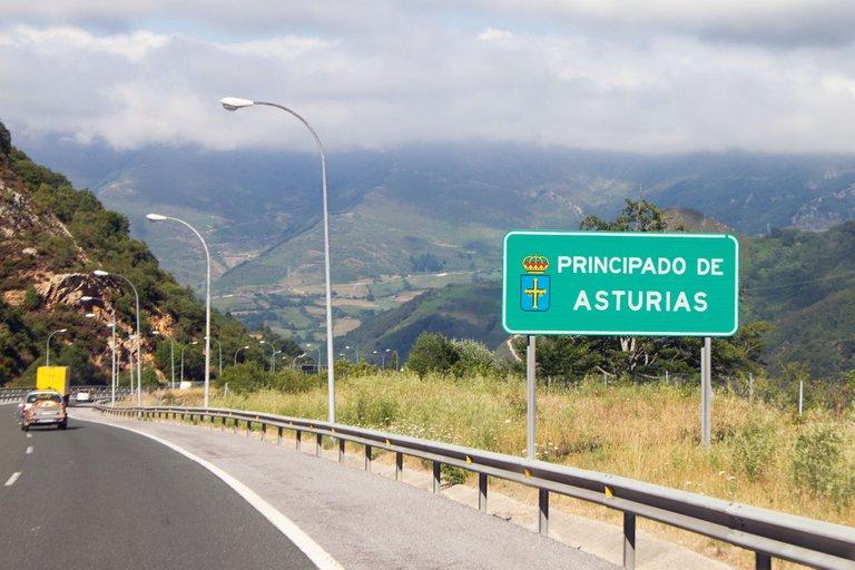 Entering the Principado de Asturias