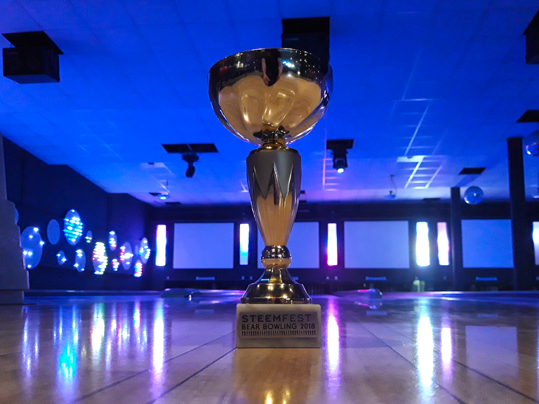 BearBowling2018Trophy@0.5x.png