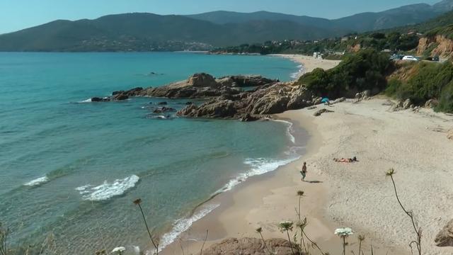 16.-Córcega-(Sagone)-playa.png