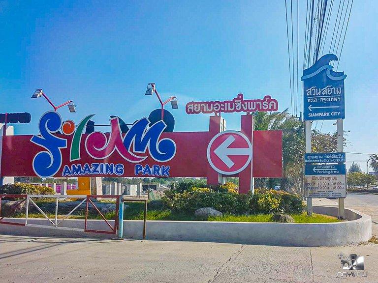 Siam Amazing Park - Bangkok's Guinness worthy amusement park