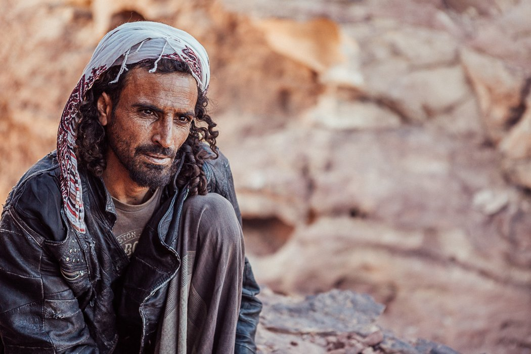 Bedouin man shares his stories and tea