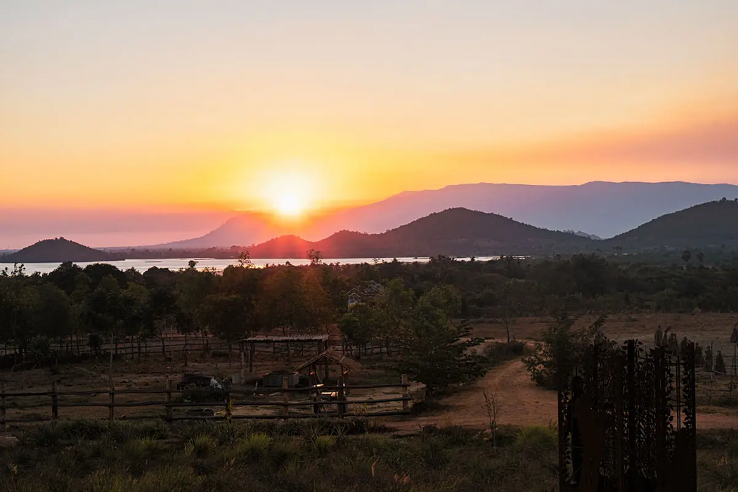 Cambodia doesn't have only amazing sunset, but also delicious Kampot pepper. This photo was taken at the La Plantation .