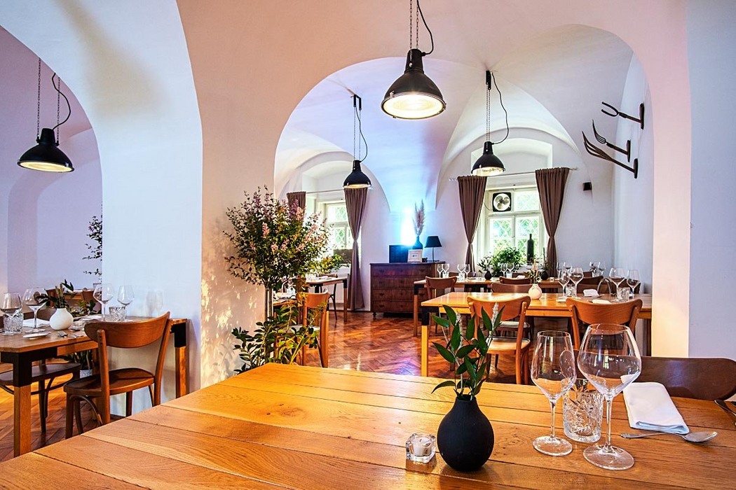 Rustic minimalist style fits the Galerija Okusov very well. Nevertheless, we were happy inside the transformed stable, where Galerija Okusov is located. Looks like high-end restaurants in old stables are a trend here in Slovenia.