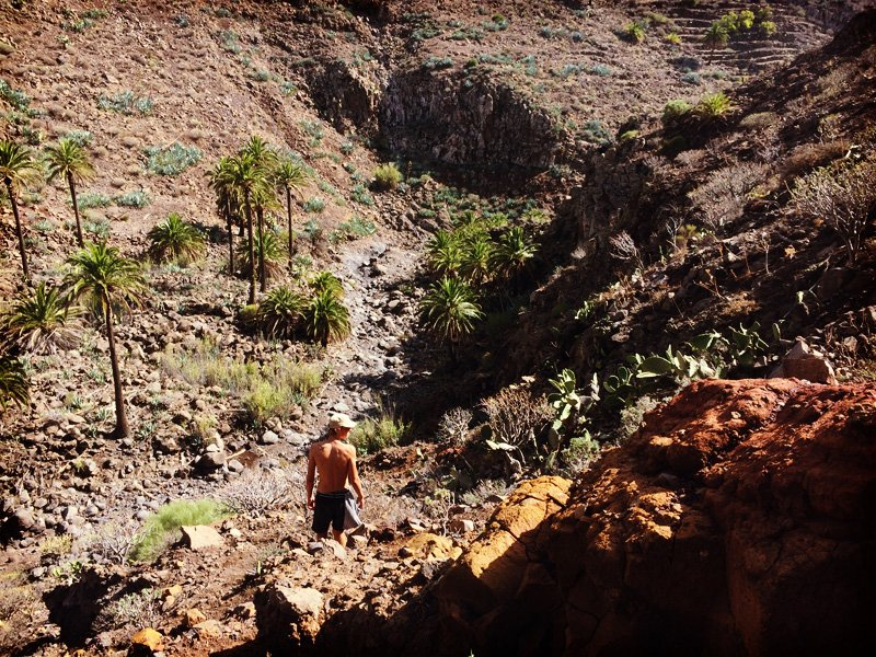 Hiking down an incidental canyon in Valle Gran Rey, La Gomera