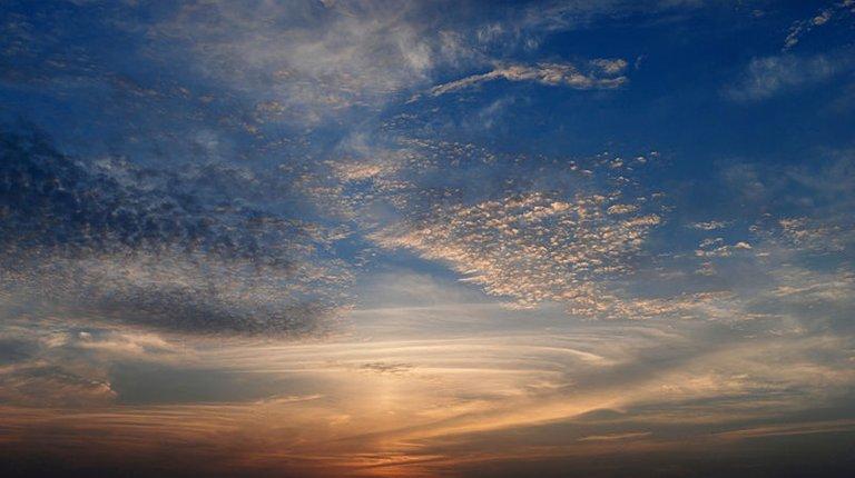 800px-Sky_August_2010-1a.jpg