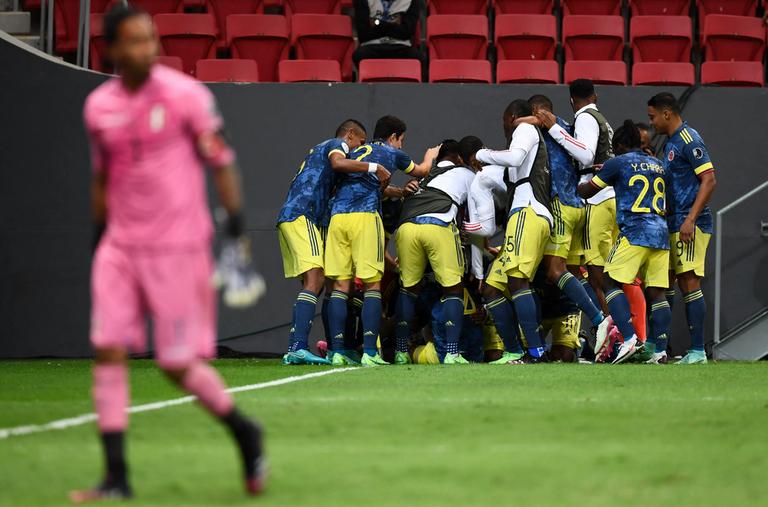 28.-Copa-America-Colombia-Peru-festeja-Colombia.png