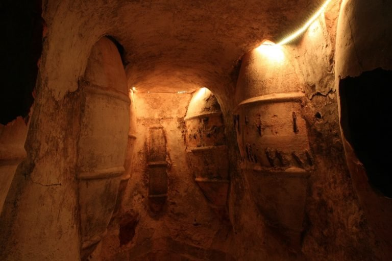 Imagen-2.-Tipos-de-depósitos-para-la-fermentación-del-vino-768x511.jpg