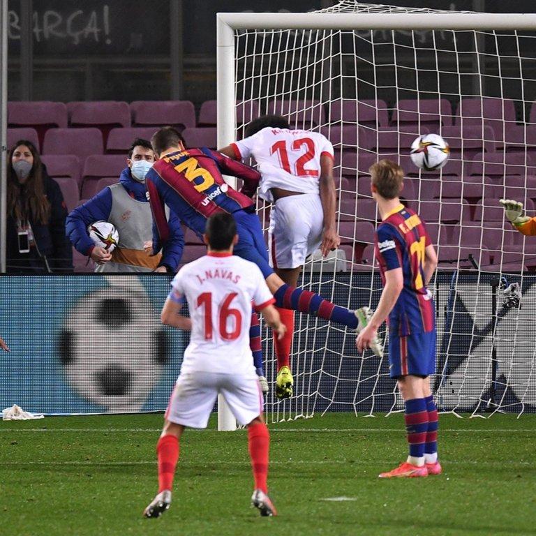 barcelona_vs_sevilla_copa_del_rey_gerard_pique_crop1614810775446.jpg_423682103.jpg