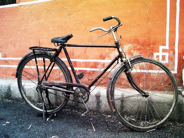 bicicleta vieja.jpg
