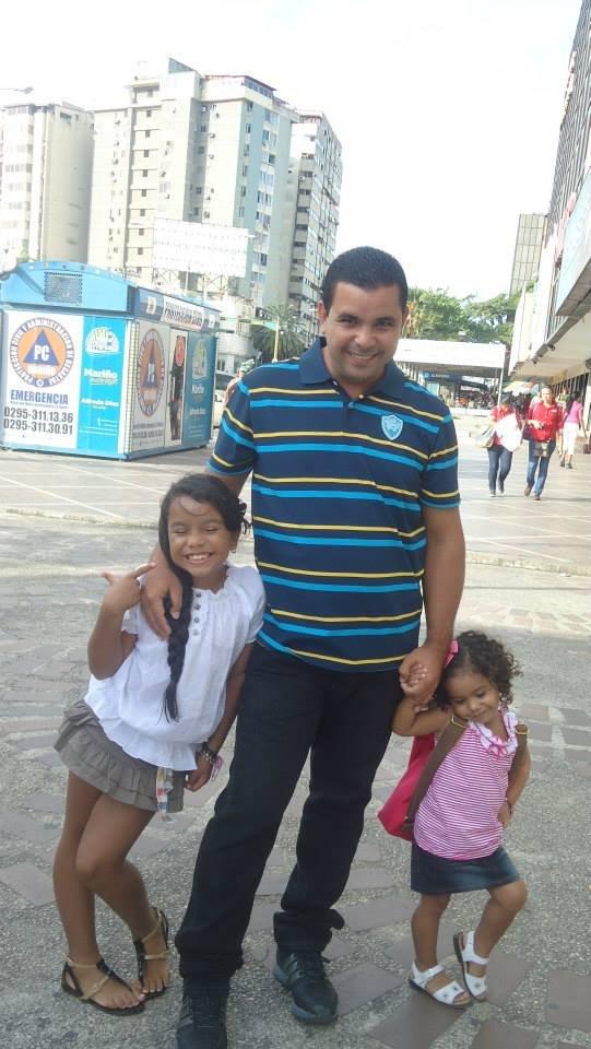 Al aire libre con mis niñas.jpg
