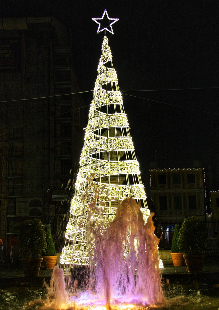 Tree of light and fountains...