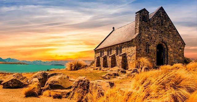 church2464899_640.jpg