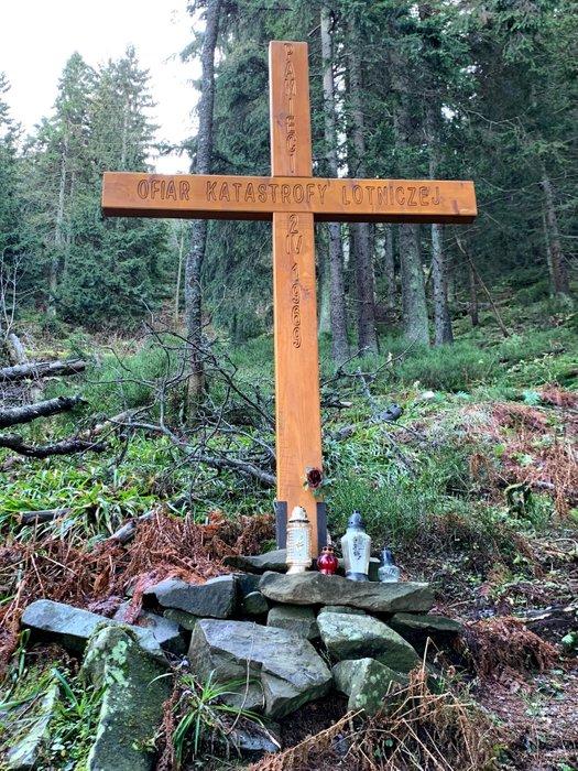 Krzyż na miejscu katastrofy lotniczej na Policy w 1969r.