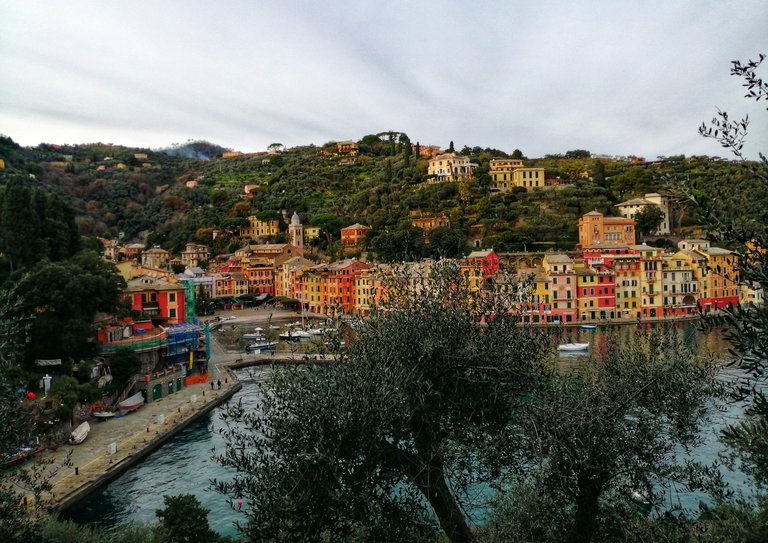 Portofino (from the steps leading to the harbour)