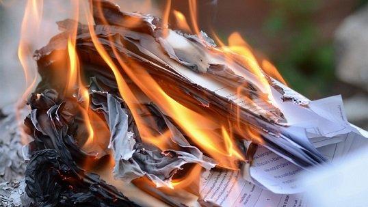 burnpaperdocumentsathome.jpg