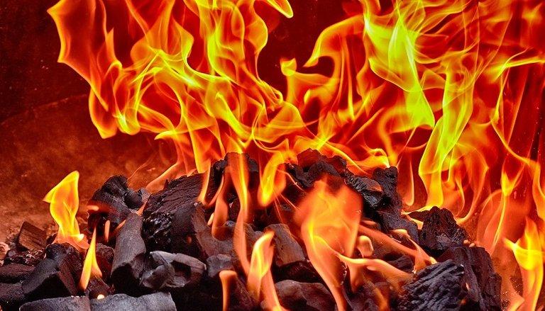 fire3614029_1280.jpg