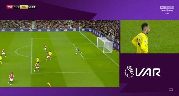 0_Aubameyang-has-the-ball-in-the-net-but-the-linesman-puts-his-flag-up-VAR-checks-the-decision-and-M.jpg