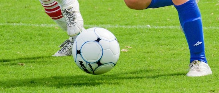 Generic_football_off_the_ground_5741ca742097b8daaed03ab48ad56bc6.jpg