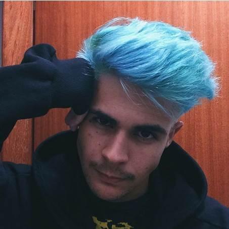 pelo-azul-hombre-2.jpg