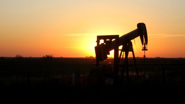 oklahoma-sunset-oil-rig.jpg