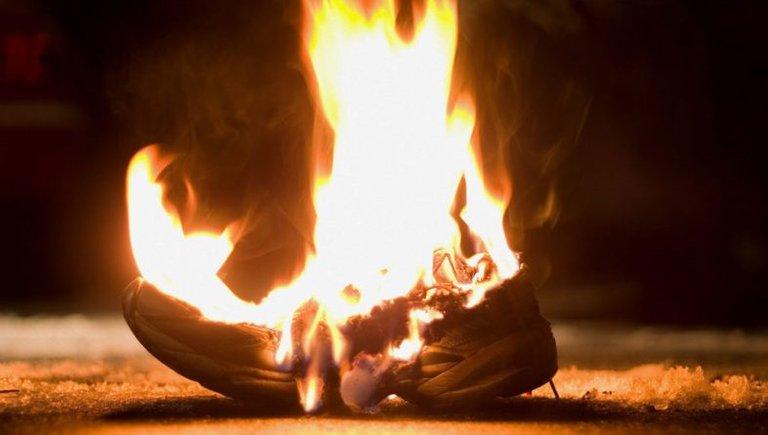 burning-running-shoe-1024x580.jpg