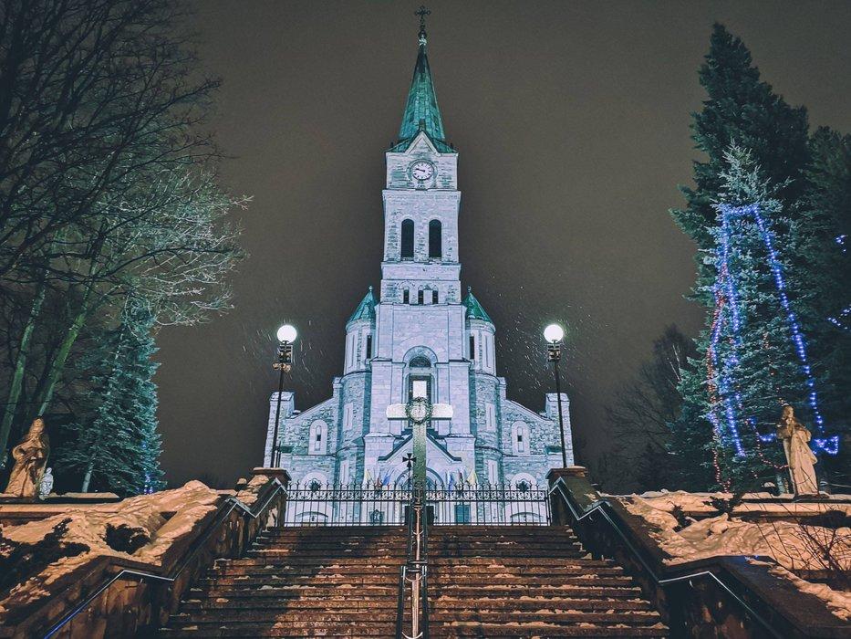 Sanktuarium Najświętszej Rodziny church in Zakopane. Photo by Alis Monte [CC BY-SA 4.0], via Connecting the Dots