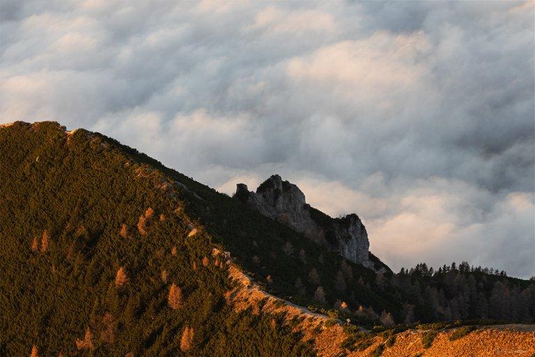 Hike . Sunrise . Sea of Fog - Dobratsch Mountain in Carinthia