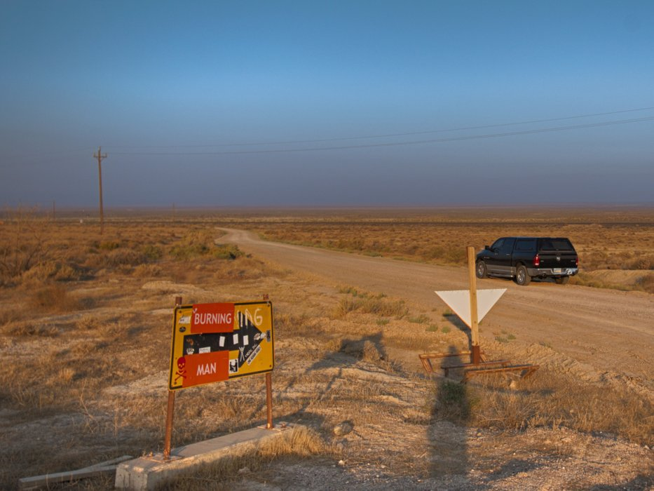 The land yacht and the road to Black Rock City.