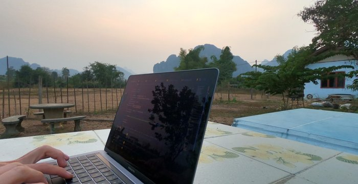 How to Quit Your 9 to 5 Job  to Become a Digital Nomad | 9 Things to Do Before You Go
