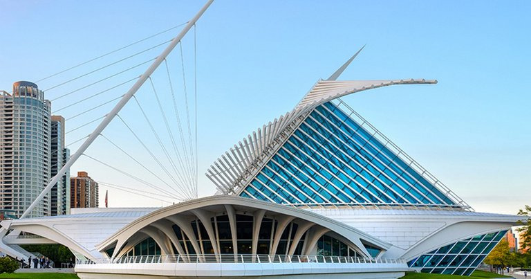 A2710-10-examples-of-Kinetic-architecture-1.-Milwaukee-art-museum-Image-3.jpg