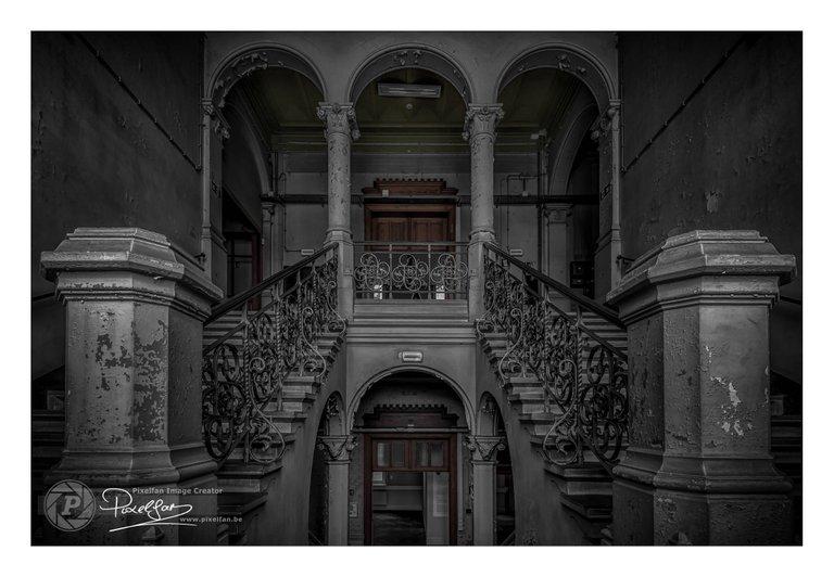 loodswezen_stairs_csp_border.jpg
