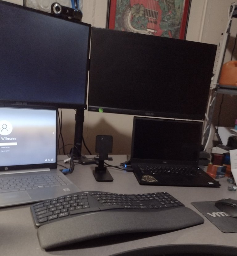 decluttered-desk.jpg