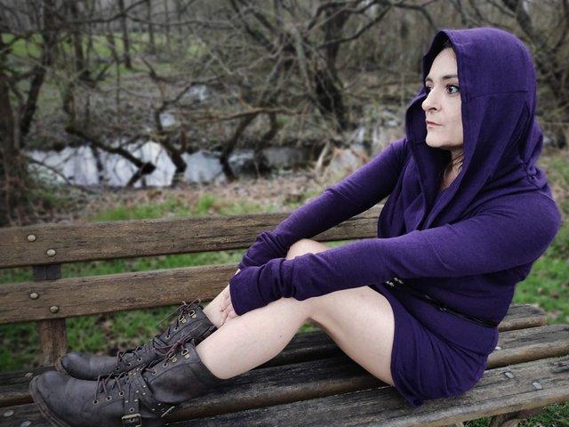 robe kali avec le col en capuche
