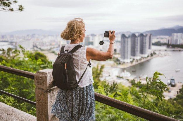 travelerwoman.jpg
