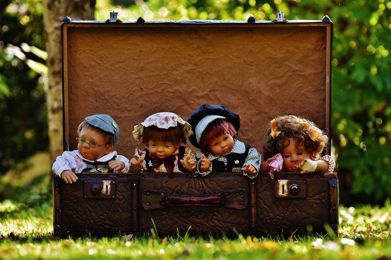 dolls1706173_1920.jpg