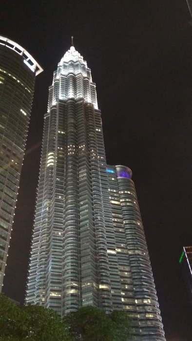 KLCC Twin Tower - the very iconic tourist spot that most tourist doesn't bother to visit anymore