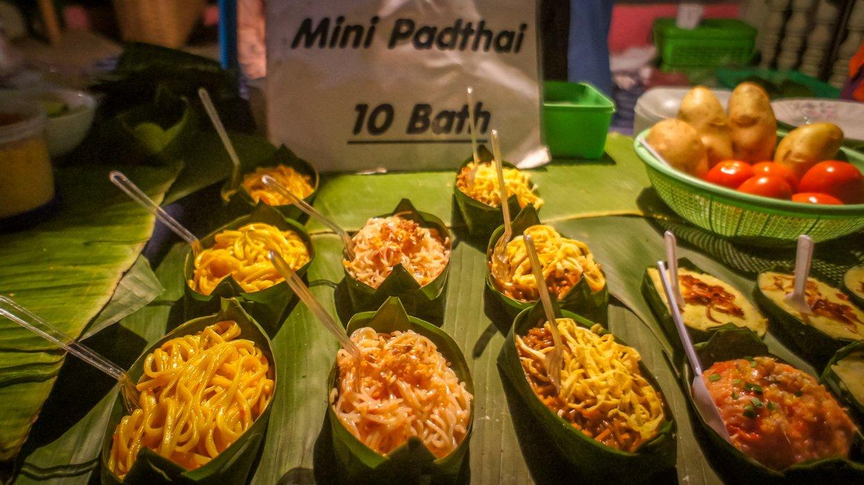 At least 3 varieties of Thai noodles