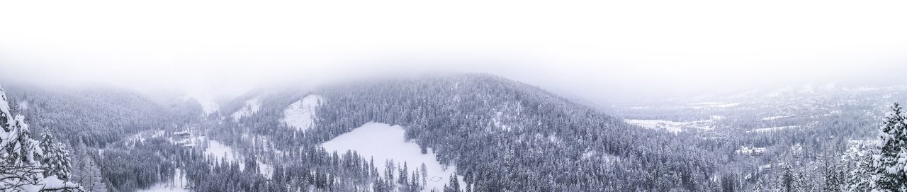The view from Nosal, Zakopane in Poland. Photo by Alis Monte [CC BY-SA 4.0], via Connecting the Dots