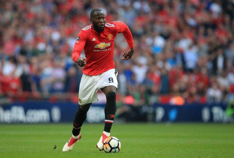 105279616-Romelu_Lukaku_plays_for_Manchester_United.jpg